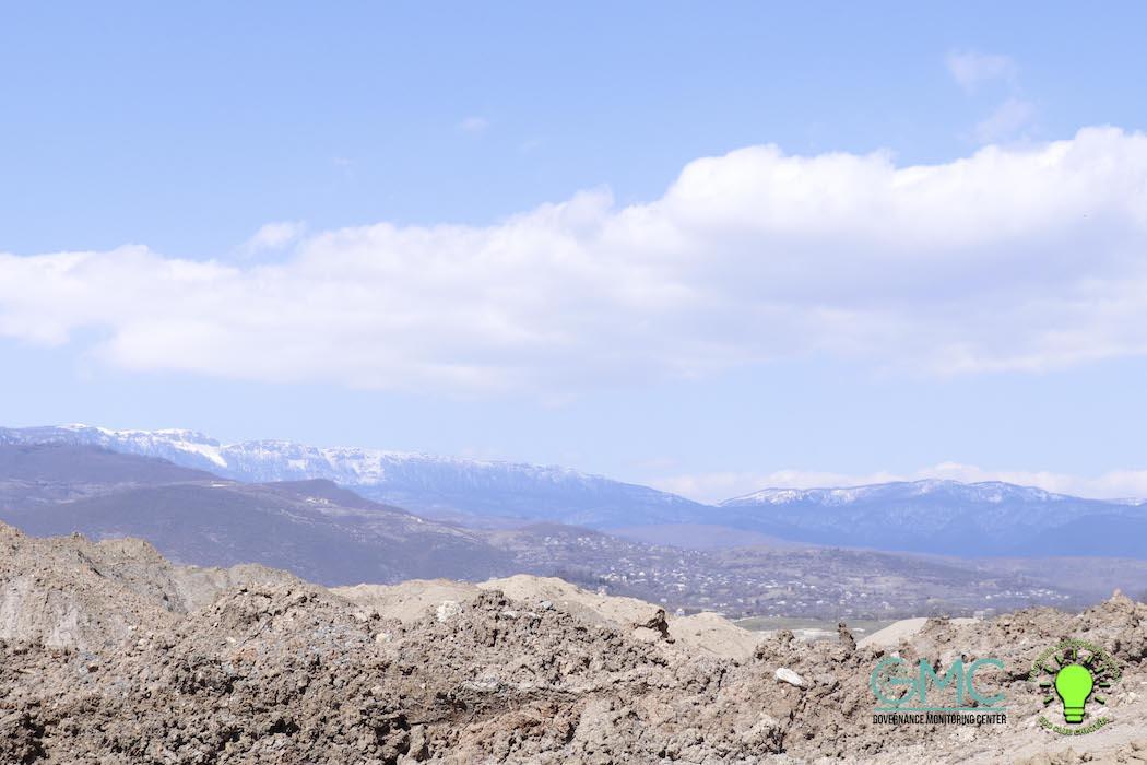 მანგანუმის ღია კარიერული წესით მოპოვების შედეგი ჭიათურის მუნიციპალიტეტის სოფელ ხალიფაურში და მღვიმევში